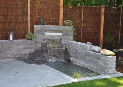 Referenzen, Brunnen mit Garten - Martin Wiebel