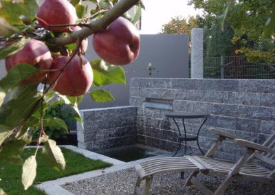 Referenzen, Wasserspiel - Wiebel Gartenbau